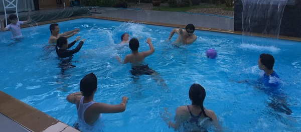 Water Polo in Kongsak's pool